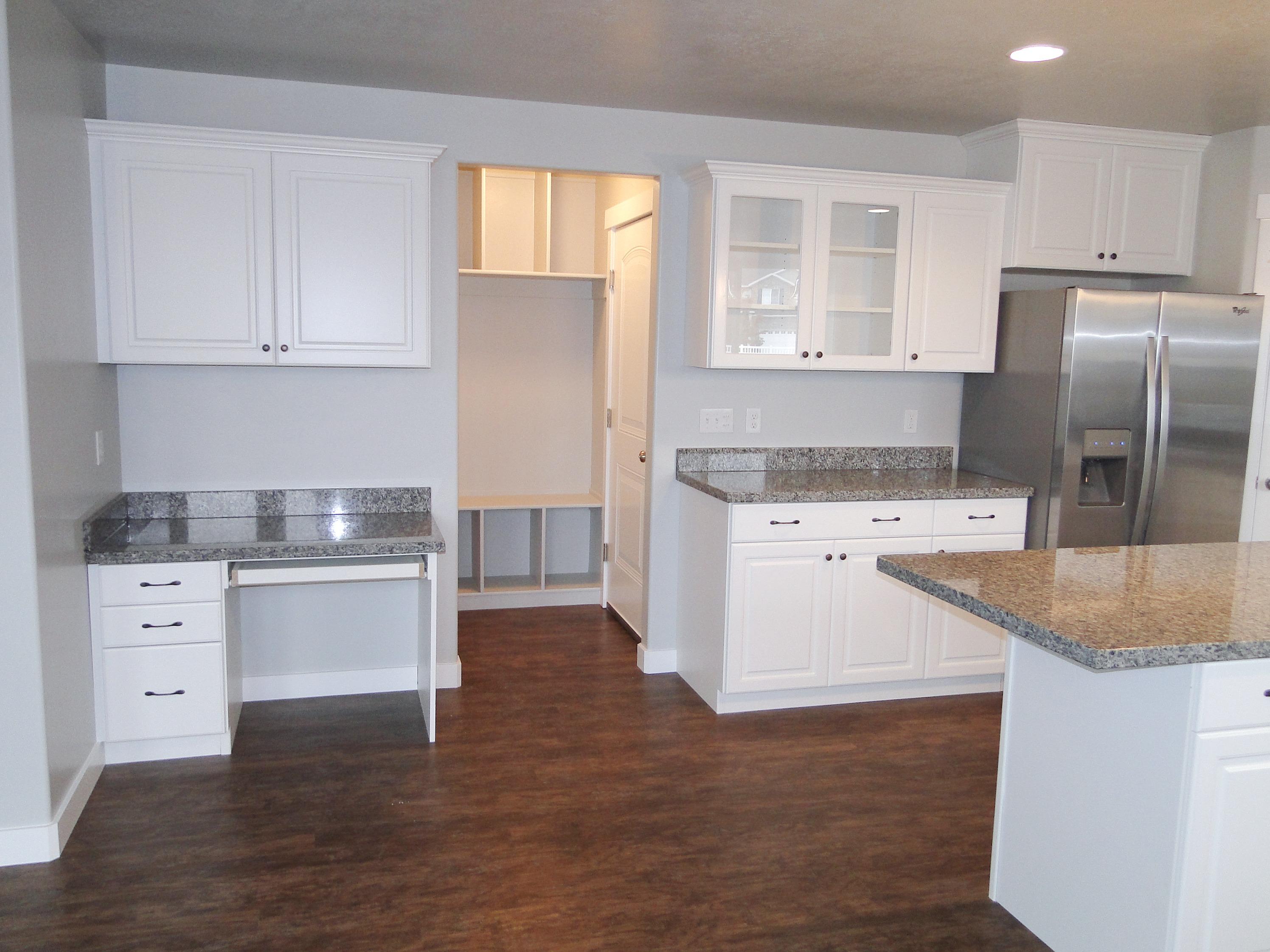 Savannah Kitchen with Desk