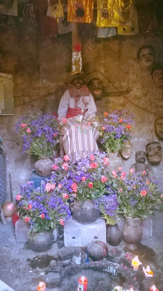 Un altare per il Maximòn di Antigua Guatemala