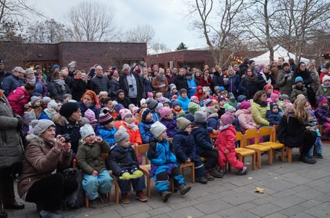 Adventsmarkt: Unsere Gäste staunen, was unsere Kinder können...