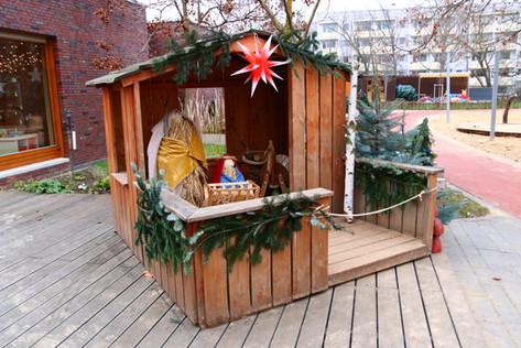 Unsere Weihnachtskrippe auf dem Kita-Gelände