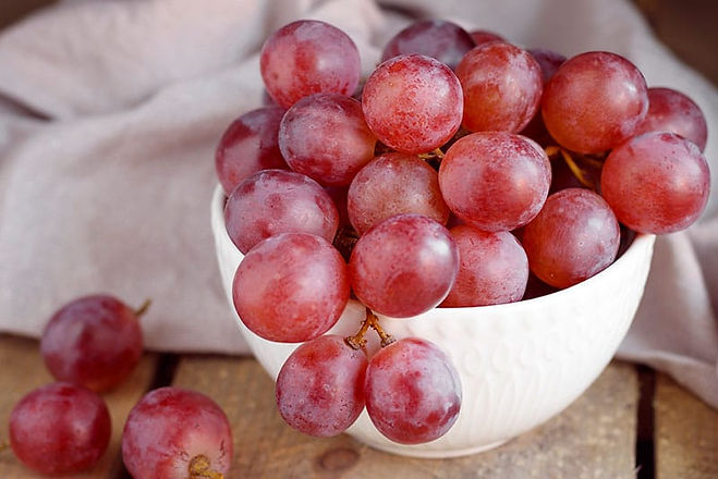 Los-beneficios-de-comer-uvas-y-uvas-pasa
