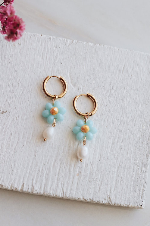 Fresh Daisy Blue Earrings