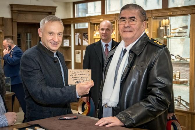 Генерал-полковник Валерий Петрович Капашин посетил предприятие «АиР».