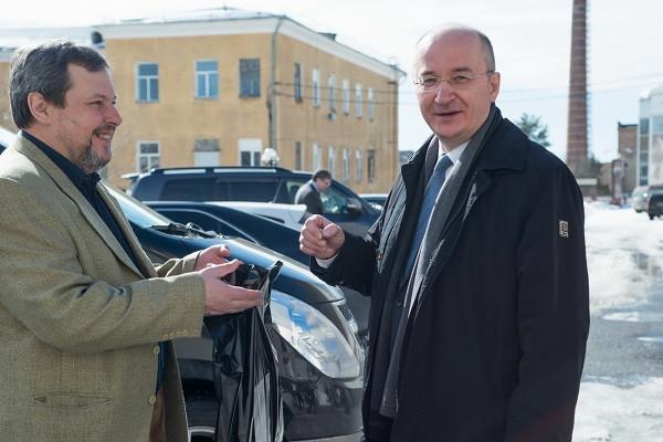В ходе делового визита в Златоуст сенатор от Челябинской области Олег Цепкин посетил «АиРовку».