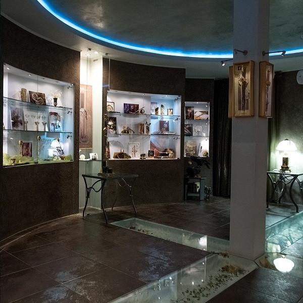 Весь январь доступна для посещения выставка главного художника Компании «АиР» Натальи Рябининой.