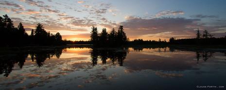 Début de journée sur le lac à la Barbue dans la parc nationnal de Frontenac