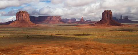 Monument Valley situé aux États-Unis à la frontière entre l'Arizona le Nouveau-Mexique, le Colorado et l'Utah
