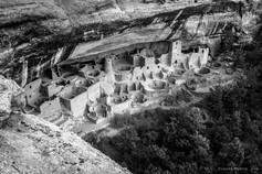Mesa Verde dans le Colorado. Les Amérindiens Anasazis, ancêtres des Pueblos, qui y construisaient des bâtiments troglodytiques sous les falaises du canyon