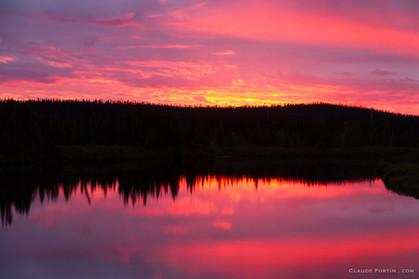 Coucher de soleil dans le nord du Québec entre Fermont et Labrador City