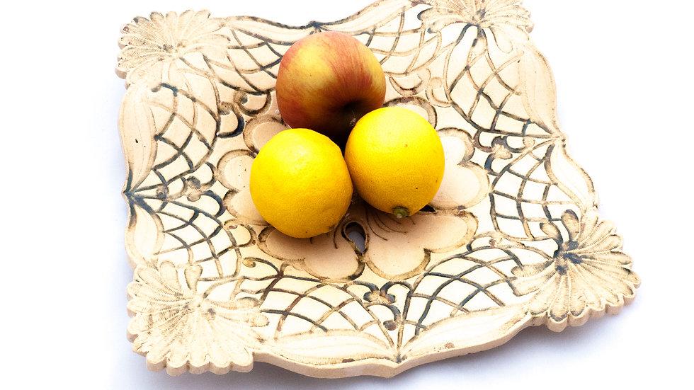Talerz ażurowy na owoce