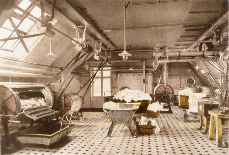 AH vintage laundry.jpg