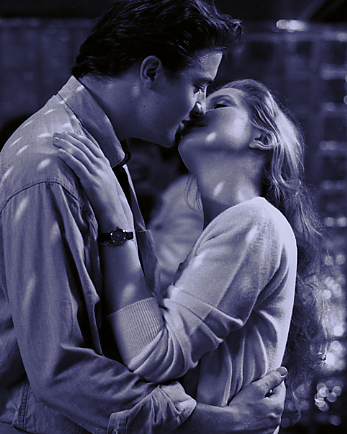YY Winston Mel Hollywood kiss.tiff