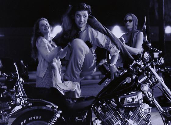 YY jump the moto.tiff