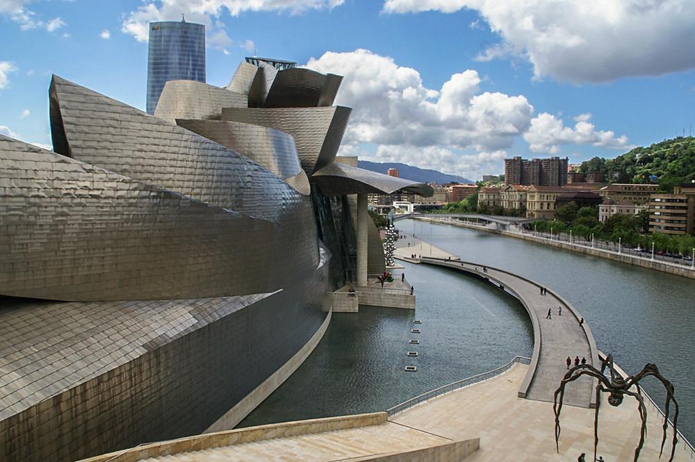 The Guggenheim Museum Bilbao -  Frank Gehry