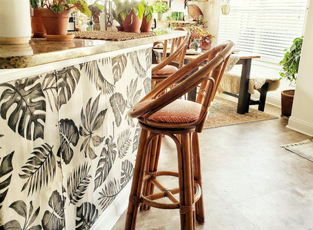Hate to paint? Don't want to tackle with messy wallpaper? Try this easy DIY wall covering.