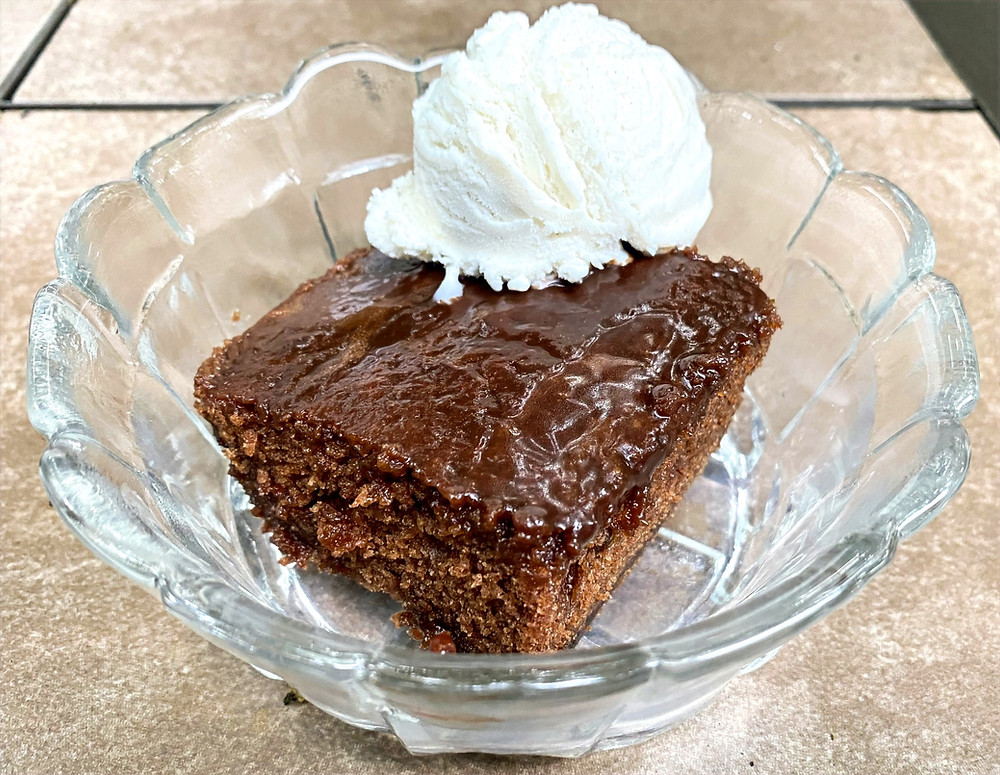 recipe for coca-cola cake, how to make southern coca cola cake, coca cola cake with vanilla ice cream, southern classic, dine drink discover, dessert recipe