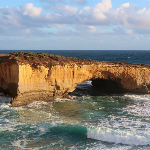 where to stop along the great ocean road