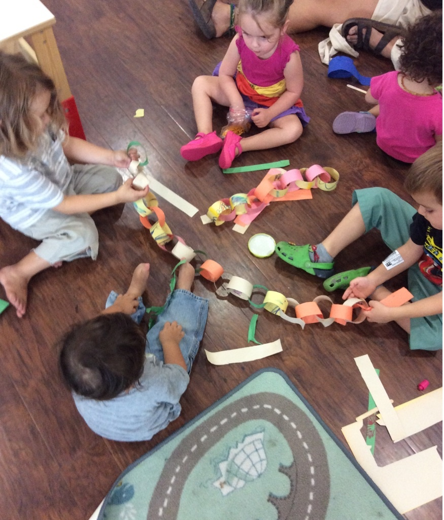 Collaborating chain links