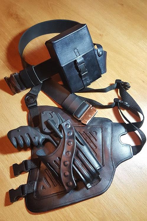 Farscape s. 3-4 Pulse pistol Holster, Belt & Bag!