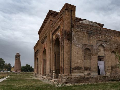 Kirgistan - Uzgen Mausoleum