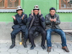 Kirgistan - betend