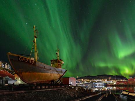 Qaqortoq im Nordlicht