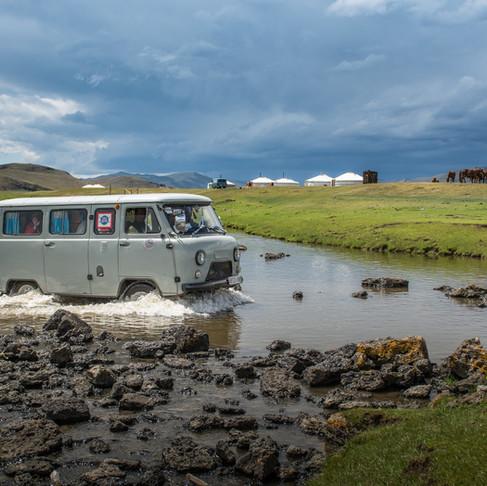 mongolei - die ankunft, gers und der obertongesang