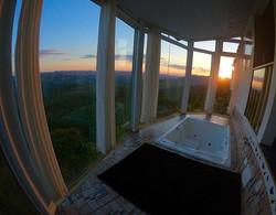 Pôr do sol de setembro é lindo  Chalé Mi