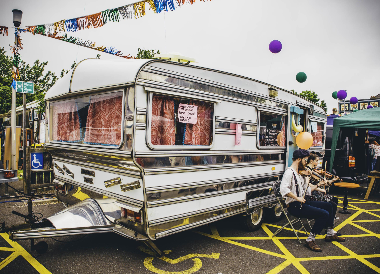 Mirela Caravan