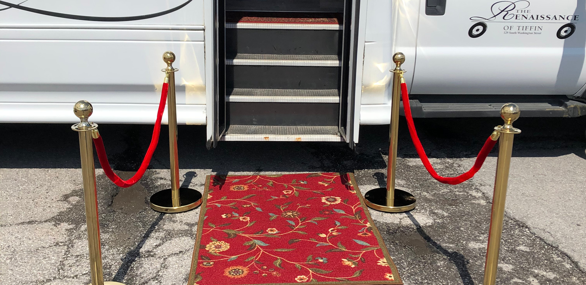 We roll out the red carpet for your occasion!