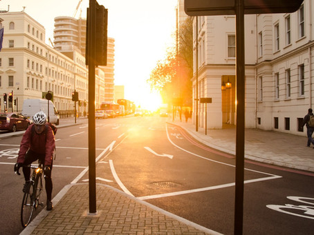Car drivers must follow a mandatory distance from cyclists