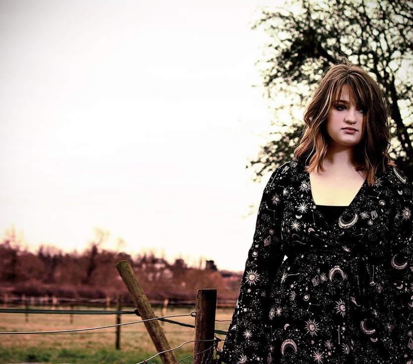 Running - Phoebe Austin (Official Promo) -Shlepp Entertainment