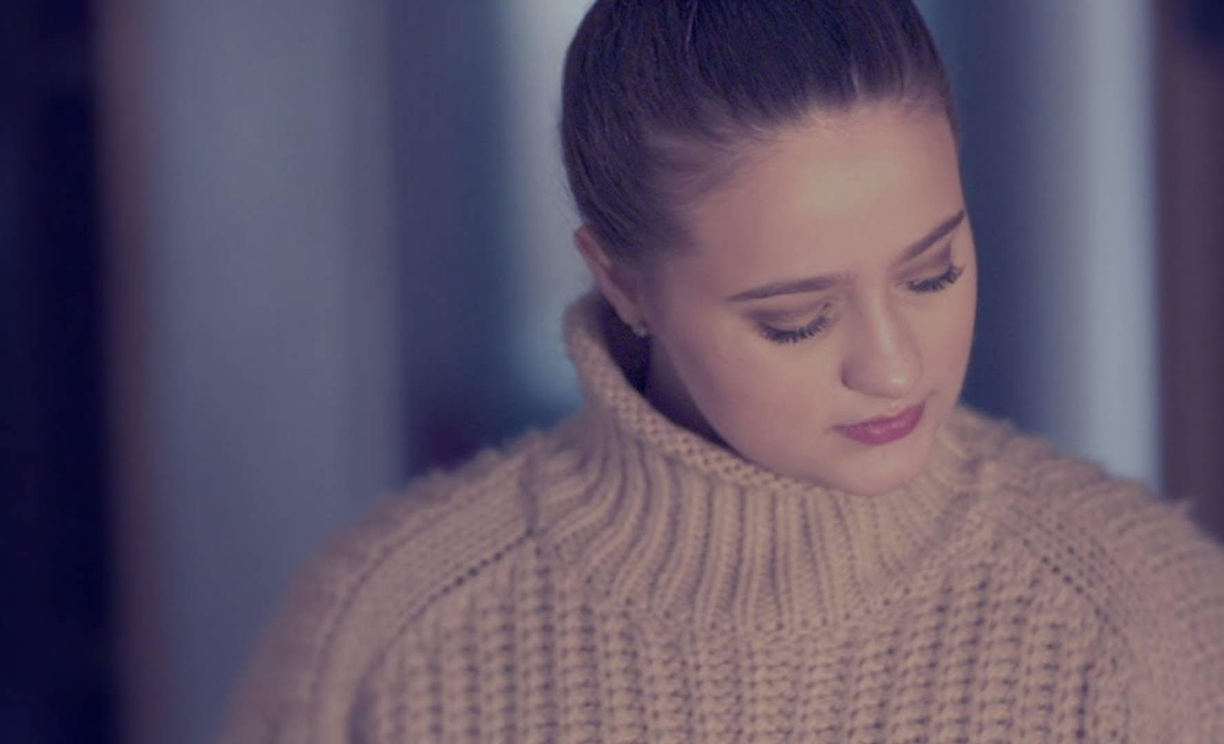 Phoebe Austin - I Came here to win - Official video - Anti Bullying