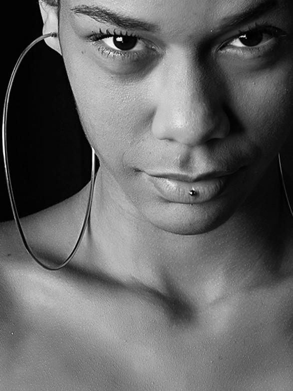 Shlepp Models Brazil -Thalita Black Queen Shoot