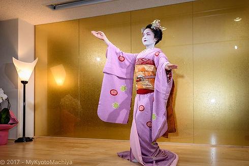161201_Kyoto-Maiko-Theater-502328.jpg