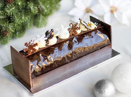 Buche de Noel Milk Chocolate Hazelnut.jp