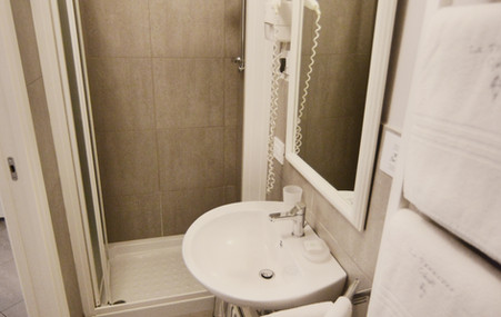 bagno camera 5