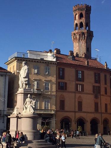 monumento cavour_edited.JPG