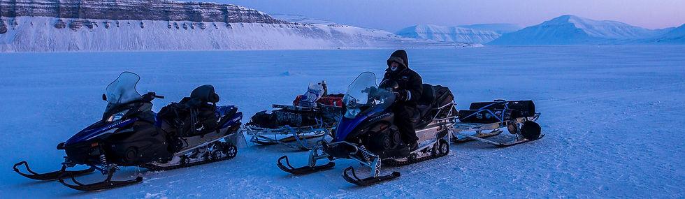 Snowmobile_Svalbard.jpg
