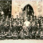 Boy-Scouts-with-Alfie-Byrne-between-1930