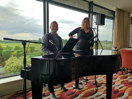 Sinead wedding singer, vocal coach, church wedding singer based in Galway with her Pop up piano bar entertainment perfect for smaller weddings