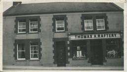 Front of Rafterys Bar cira 1945