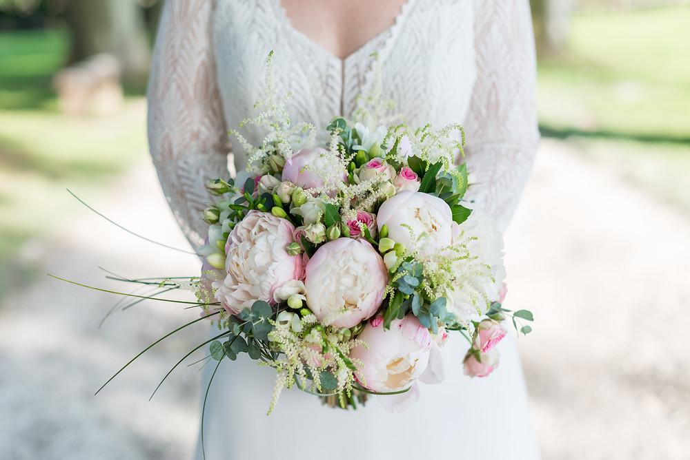 Photographe mariage bouquet fleurs mariée Mas de Loisonville Grillon Provence Gard Lubéron Savoie Haute-Savoie