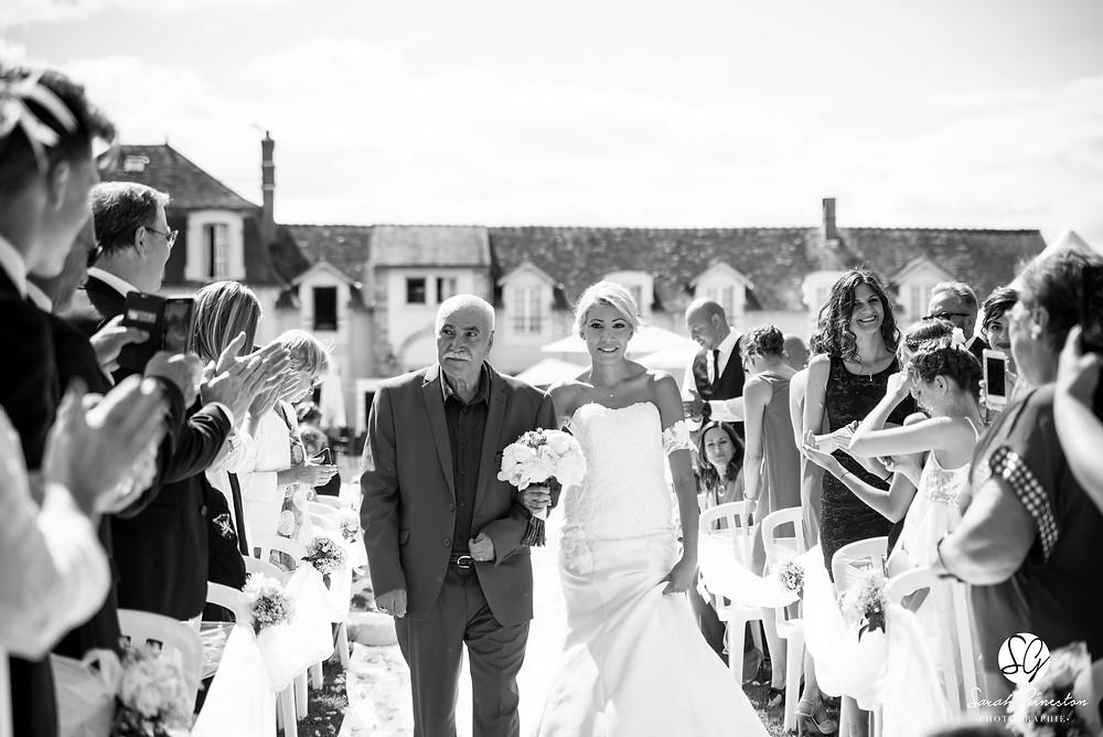Photographe mariage Paris cérémonie laïque mariée Manoir de Mon Père