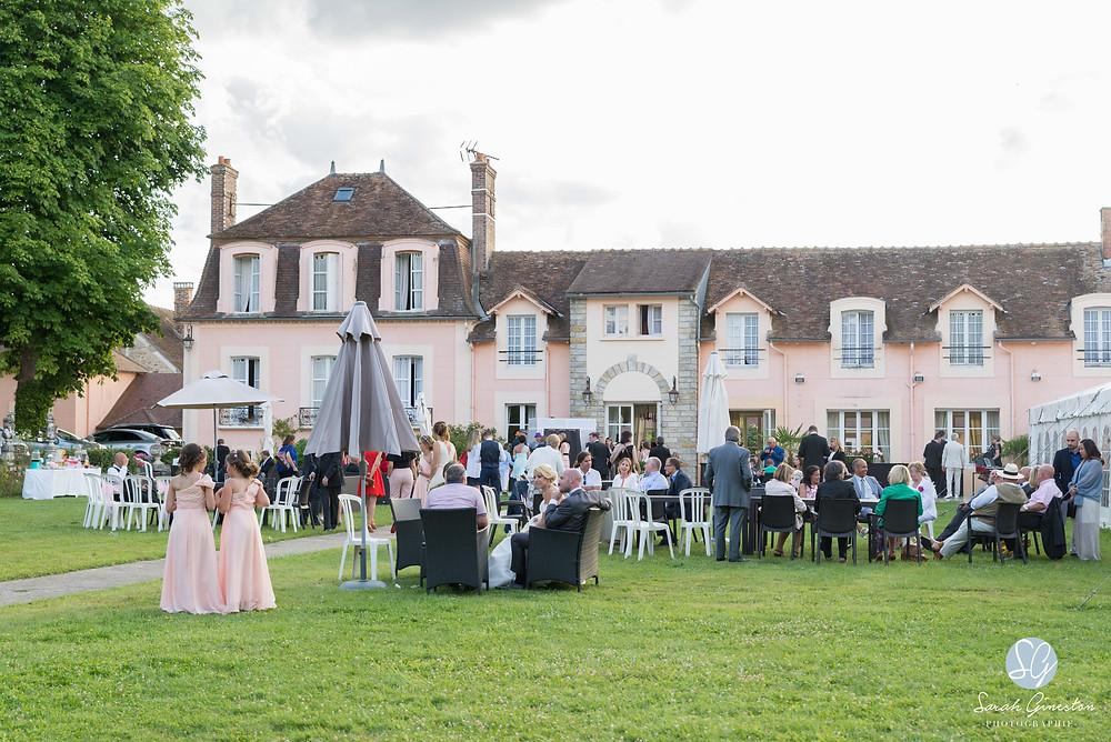 Photographe mariage Paris vin d'honneur Manoir de Mon Père