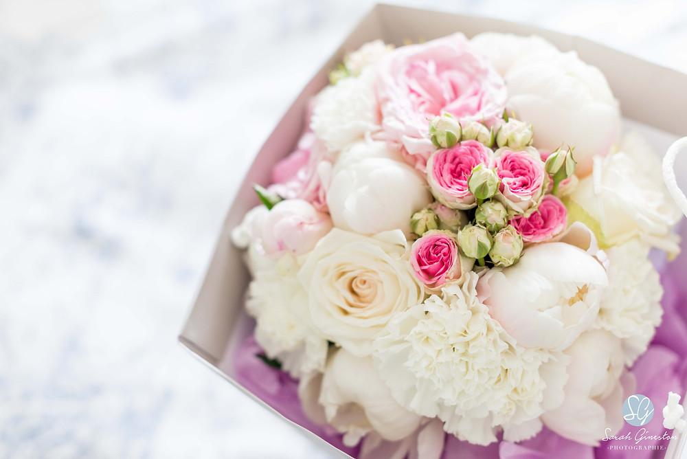 Photographe mariage Paris fleurs bouquet mariée Manoir de Mon Père