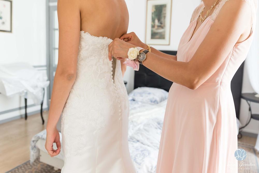 Photographe mariage Paris robe mariée préparatifs Manoir de Mon Père