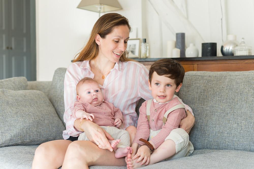 Photo photographe nouveau-né bébé famille Paris