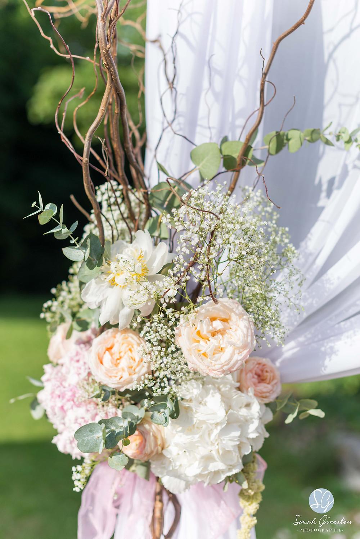 Photographe mariage Paris fleurs cérémonie laïque Manoir de Mon Père