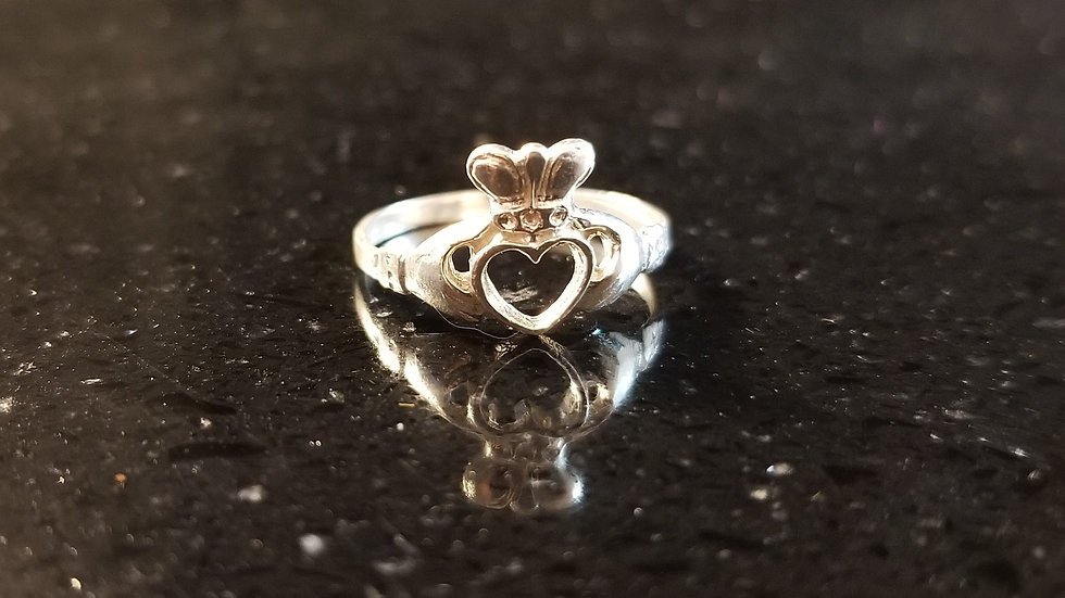 Claddagh Celtic Engagement Wedding Ring